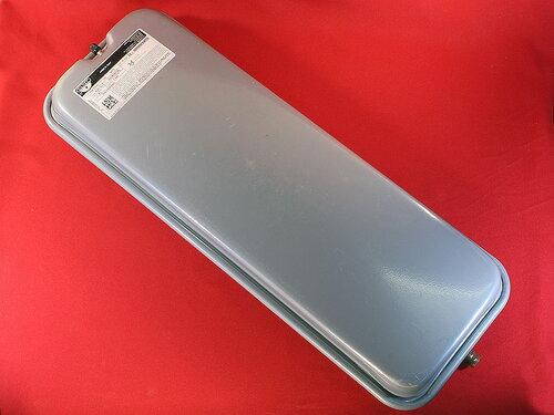 Купить Бак расширительный Zilmet 8 л G3/8 прямоугольный артикул 13N6000810 1 080 грн., фото