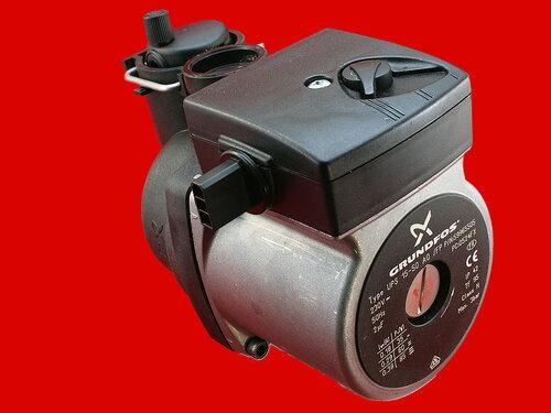 Купить Циркуляционный насос Grundfos UPS 15-50 для котлов Ferroli 3 999 грн., фото