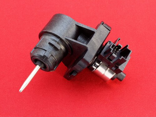 Купить Трехходовой клапан (шаговый привод) Viessmann Vitopend 100 WH1D, Vitodens WB1B, WB1C (7828748) 2 178 грн., фото