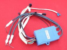 Электрический распределитель для дымоходных колонок на батарейках с выходом на LCD дисплей (разъем папа) и с подключением датчика температуры.  Подходит также на колонки без дисплея(два разъема просто не применяются)